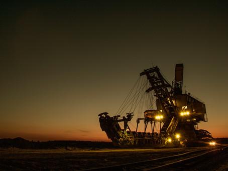 Governo aprova política para agilizar licenciamento de projetos de mineração.