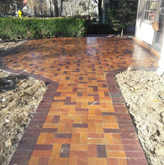 Kansas city Masonry and surrounding area firm, has been serving the Kansas city Area for 15 years. We specialize in custom masonry and masonry repair for community's and commercial buildings. In today's market, a knowledgeable restoration mason knows how to properly identify the problem