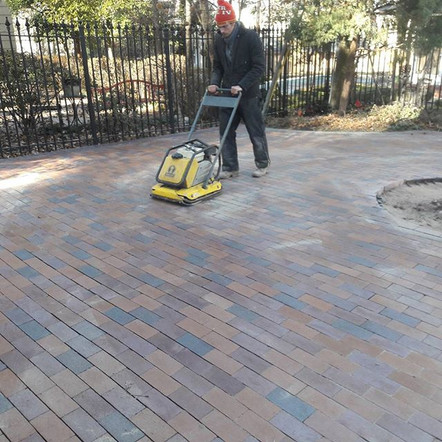 Offers masonry repair, concrete repair, waterproofing and historical restoration in the Midwest and Kansas City areas