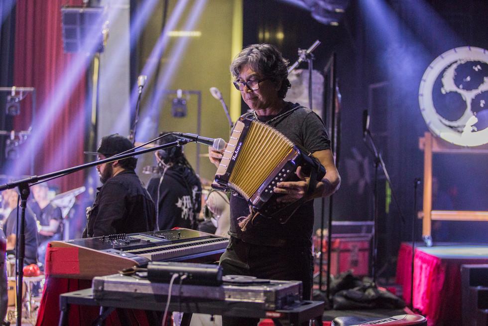 backstage-molotov_3.jpg