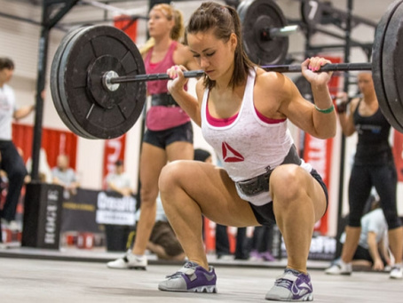 10 reasons why women should lift weights