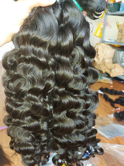 Bee Flawless Cambodian Loose Wave (3 Bundles 10.5 ounces)