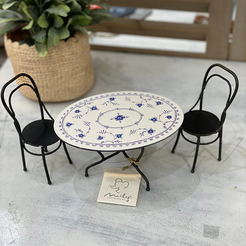 Table et deux chaises Maileg