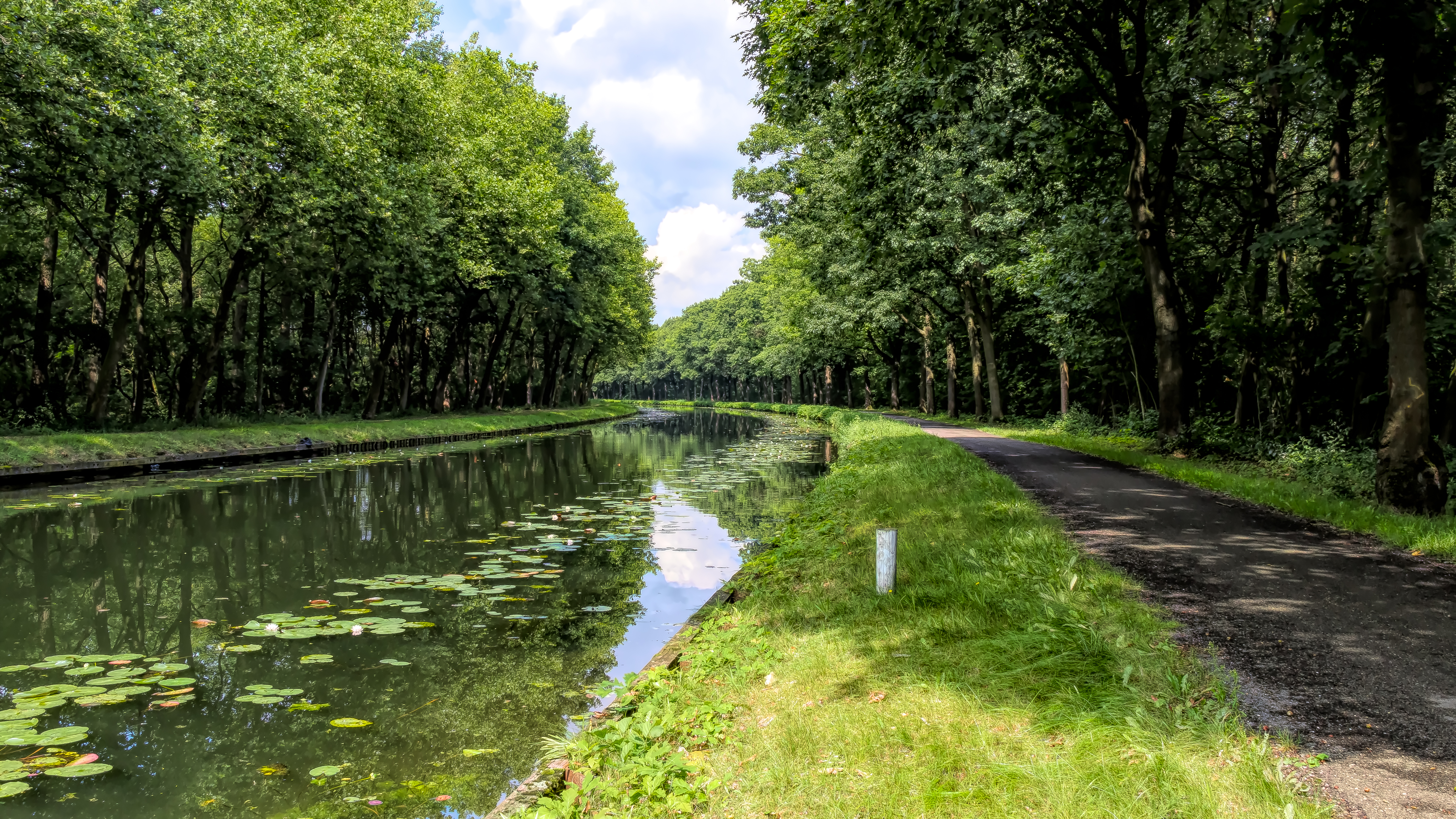 The Canal to Beverlo