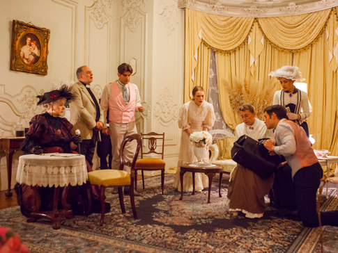 Lady Bracknell – Marie-Therese Byrne, Earnest - Ian Ferrington, Gwendolen - Katharine Innes,Algernon – Patrick Hill, Cecily – Ruby Duncan, Dr Chasuble – Greg Pascoe, Miss Prism Angelique Malcolm