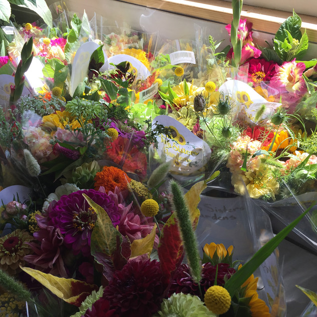 Mixed bouquets for market2.JPG