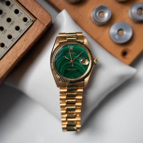 Servicing Rolex 1601 Datejust in 18K yellow gold and the rare malachite dial!