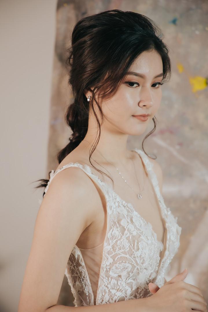 Zhi Xuan - White gown
