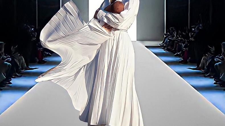 Fashion Runway: Анастасия Масюткина в Valentino