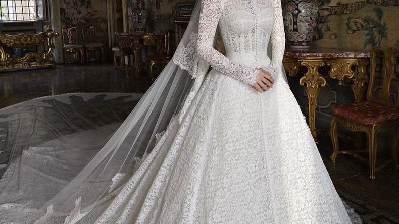 30-летняя племянница принцессы Дианы, леди Китти Спенсер, вышла замуж за 62-летнего миллиардера