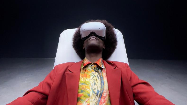 TVORCHI презентували кліп, в якому головний герой опиняється у віртуальній реальності