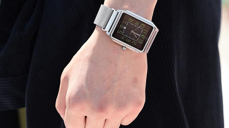 Часы, посвященные украинскому художнику Георгию Нарбуту, представлены на New York Fashion Week