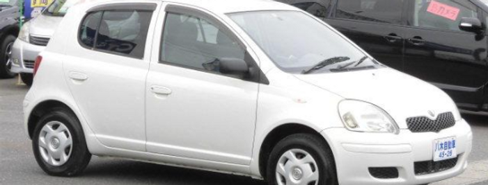 2004 Toyota Vitz