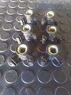 rebarbação em peças de borracha