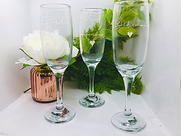 Bridal party Champagne glasses.jpg