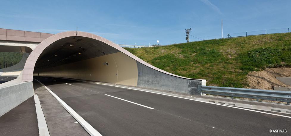 tunnel_06.jpg