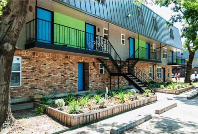 Denton Student Apartments Starlite Exterior