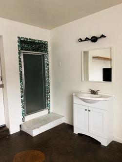 Denton Student Apartments Interior Bathroom
