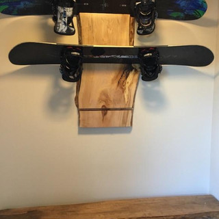 008 - MAPLE LIVE EDGE SNOWBOARD RACK & MATCHING MAPLE LIVE EDGE BENCH