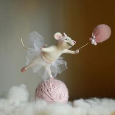 "Любовь Гусева ""Мышка-балерина на шаре"""