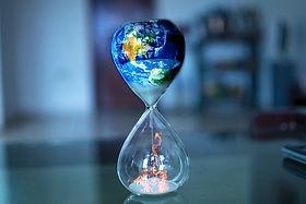 hourglass-5053103_640.jpg