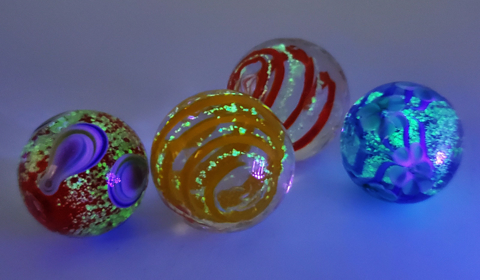 """3/4"""" - 7/8"""" Glow in the Dark Marbles"""