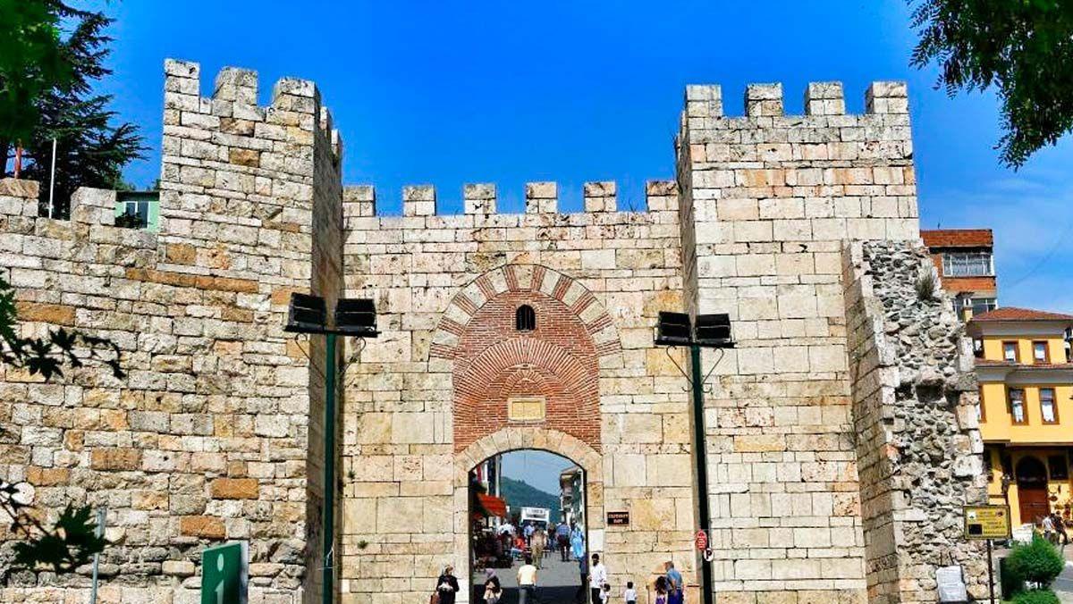 Bursa Kalesi (Saltanat Kapısı)
