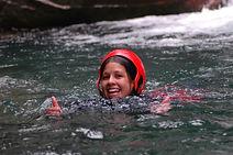 Nage dans le canyon du Groin ,a Artemare , proche du lac du Bourget et de Chambery