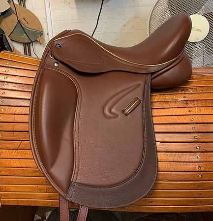 16-Avanti-Dressage-Saddle.jpg