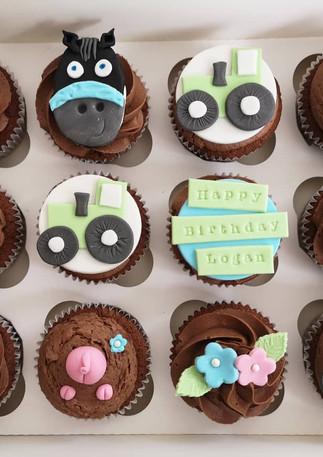 Farm-animal-cupcakes -Cornwall