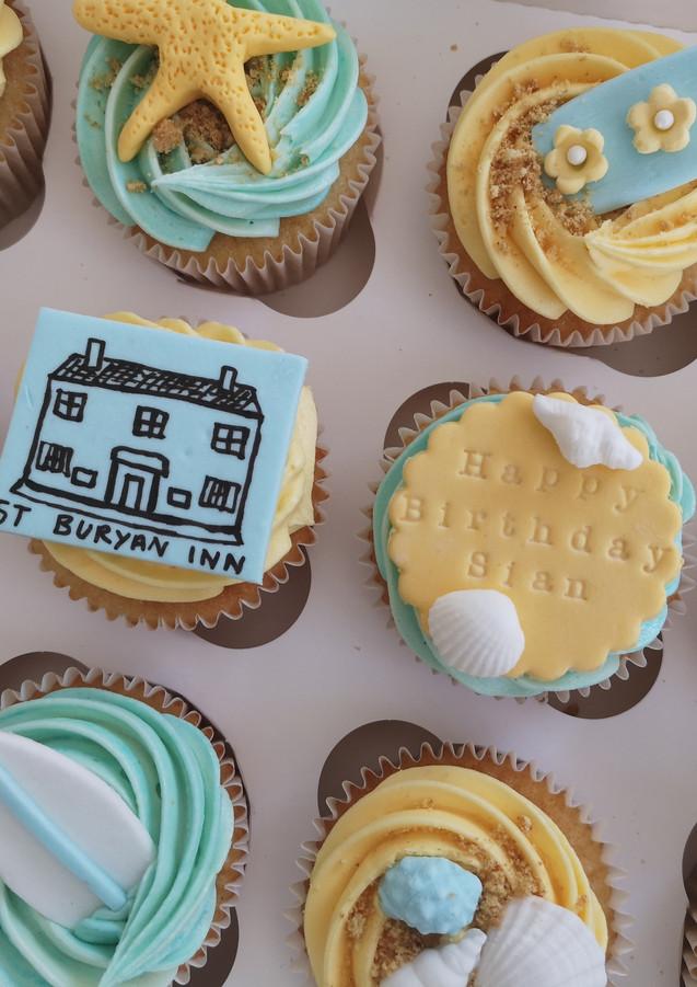 Beach-themed-cupcakes-CornwallIMG_20200721_093502.jpg