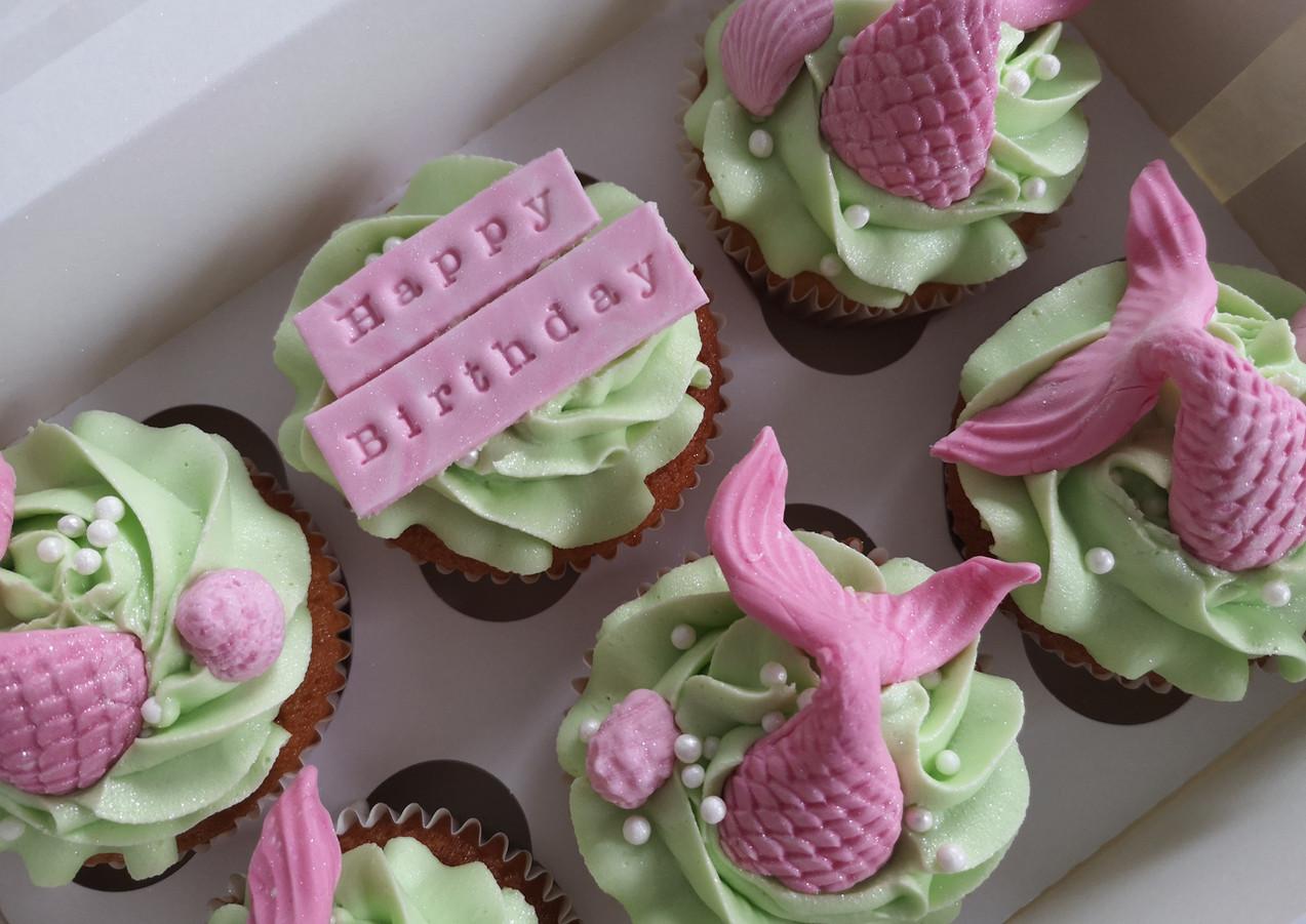 Mermaid-cupcakes-Cornwall.jpg