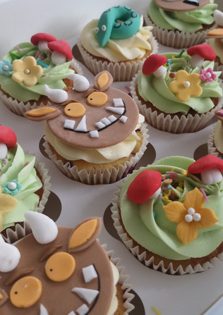 Grufallo-themed-cupcakes-Cornwall