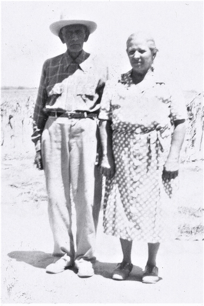 Viviano and Tomasa Alcorta,  August 1946