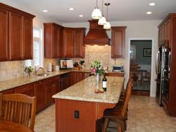 DP_Traditional-Kitchen-Granite-Countertops_4x3.jpg.rend.hgtvcom.1280.960