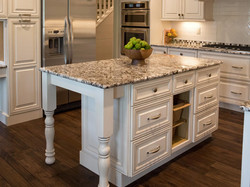 DP_Inman-granite-kitchen-island_s4x3.jpg.rend.hgtvcom.1280.960