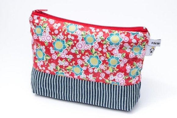 Kosmetiketui blau gestreift/ cosmetic bag - blue stripes