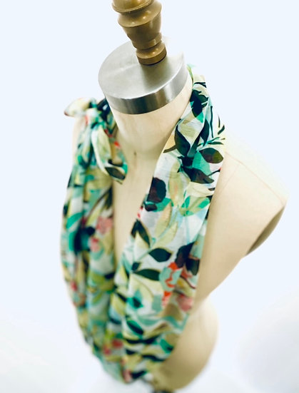 Scarf White/ Green Leaf