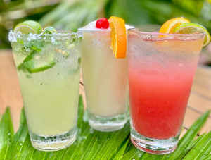 tiki bar drinks (1).jpg