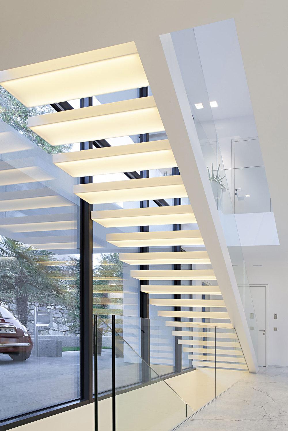 House-M-Meran-Italy-Stairs-Lighting