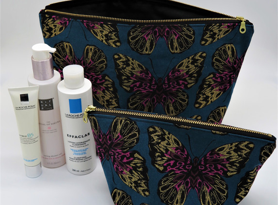 travel-toiletries-bags