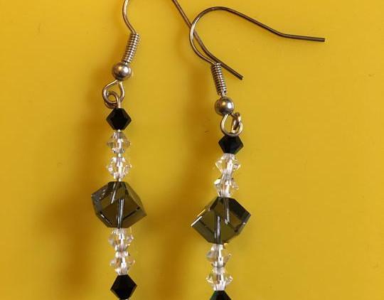 grey-cube-crystal-earrings