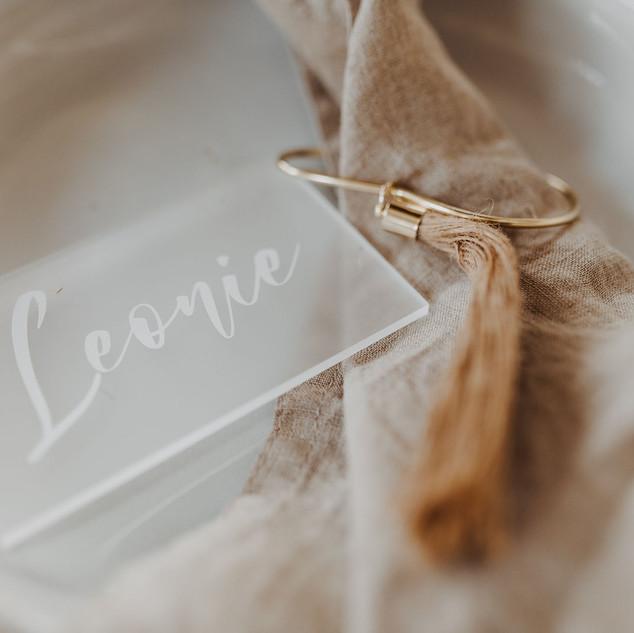 Namenskarte aus frosted Acryl
