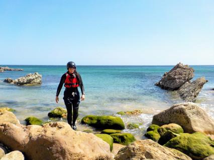 Exploring secret beaches and coves in Algarve