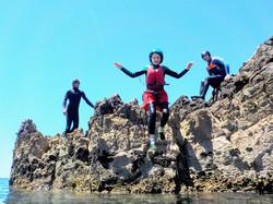 Coasteering para crianças no Algarve