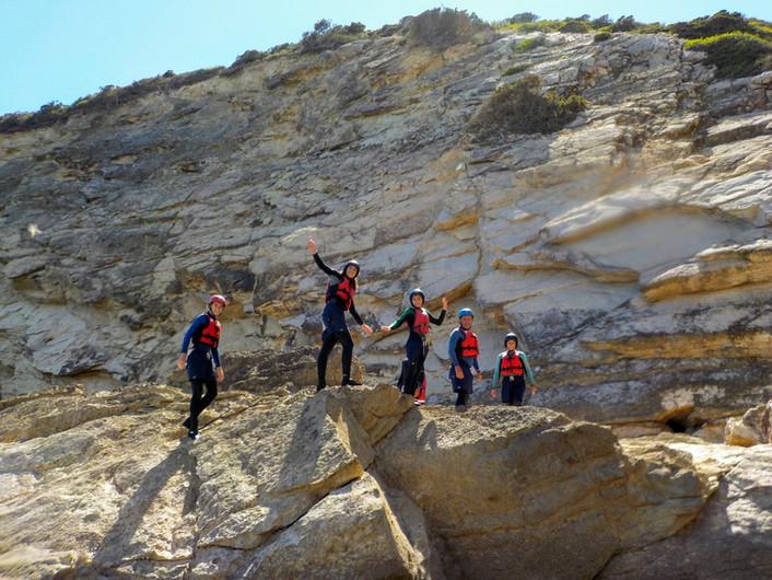 Aventurando ao longo da costa do Algarve