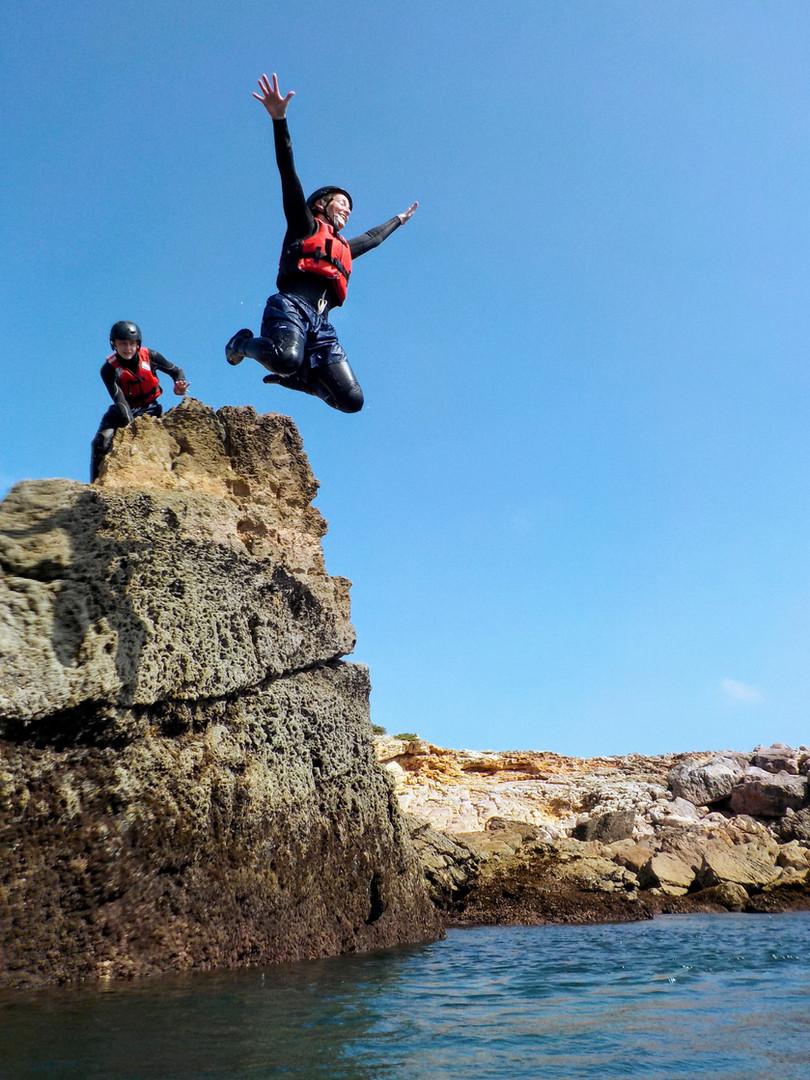 Sunshine, ocean, cliff jumping, coasteering in Algarve