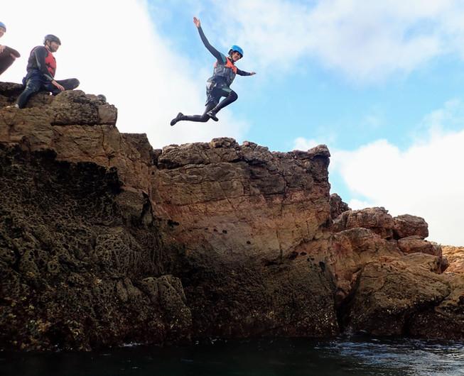 Saltando para o água