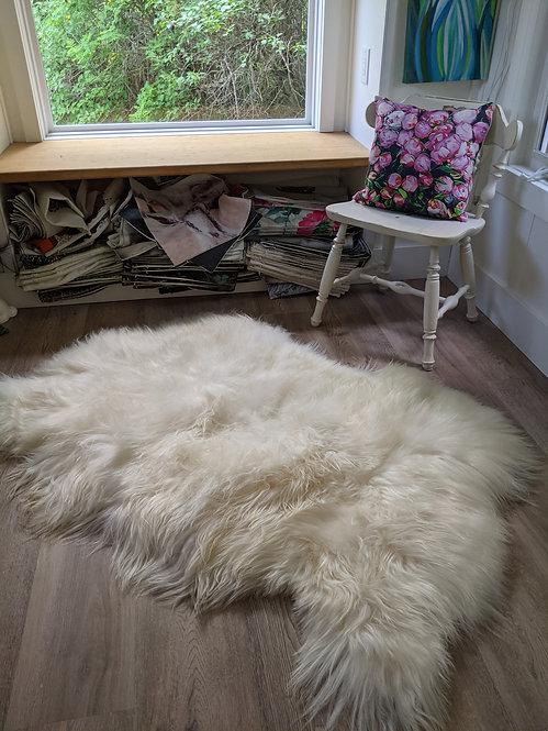 Natural White Triple icelandic sheepskin area rug