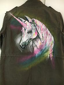 textile painting, textile art, power animals, animal art, tekstiilimaalaus, tekstiilitaide, eläintaide, voimaeläin, unicorn, yksisarvinen